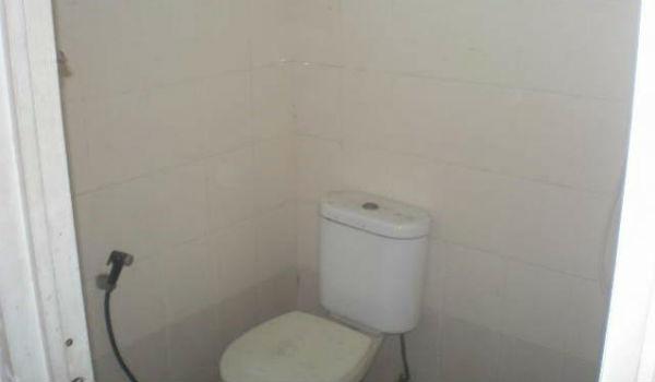 kamar mandi ruko dijual di cicadas
