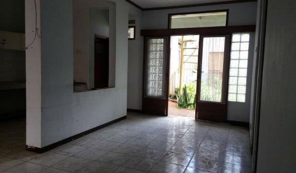 ruang tamu rumah dijual di bandung