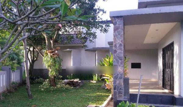 halaman rumah di pasteur